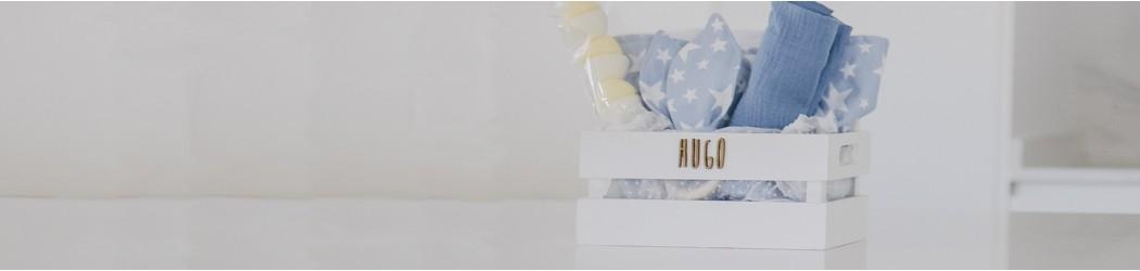 Canastilla bebé caja madera personalizada accesorios recién nacido